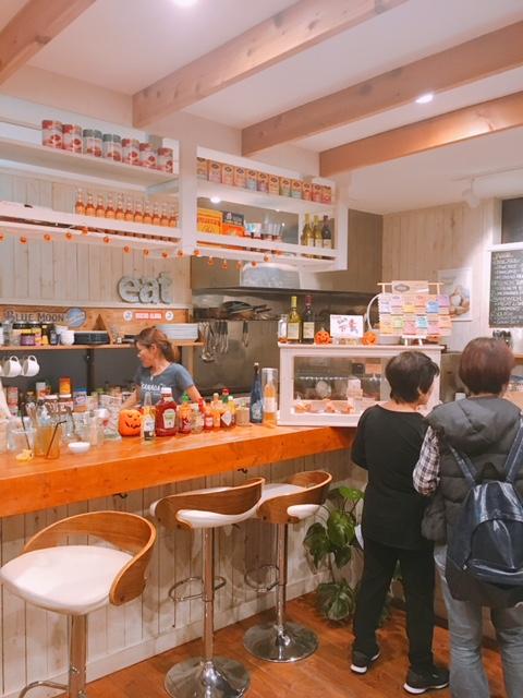辻堂のカフェ『BRUNCHES ブランチーズ』の店内