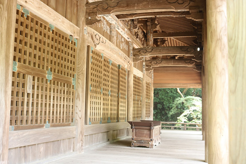 鎌倉・妙本寺の祖師堂
