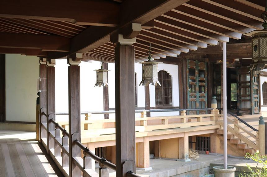 鎌倉・光明寺の本殿