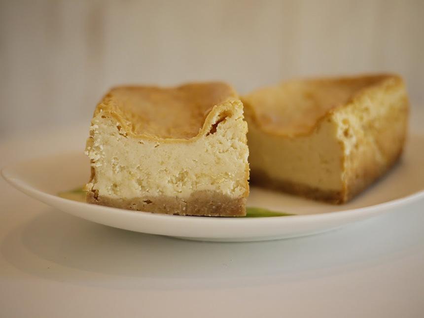 鎌倉みやげの洋菓子スイーツ『鈴の日』のチーズケーキ