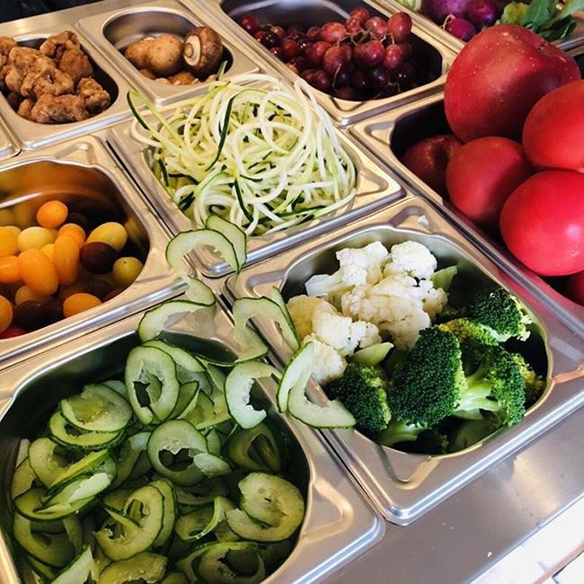 『very veggy by BRUNCHES(ベリー ベジー バイ ブランチーズ)』のオーガニックサラダ