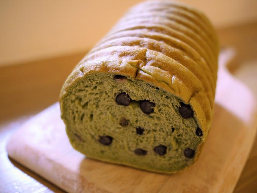 藤沢のパン屋『ブーランジェリー・ユイ』のよもぎラウンド