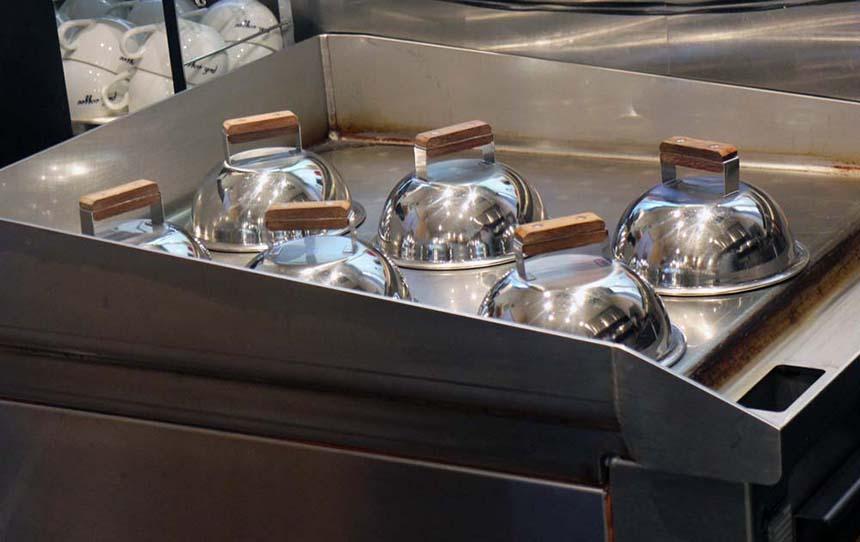 鵠沼海岸のパンケーキカフェ『PCH Coffee』の蒸し焼き中のパンケーキ