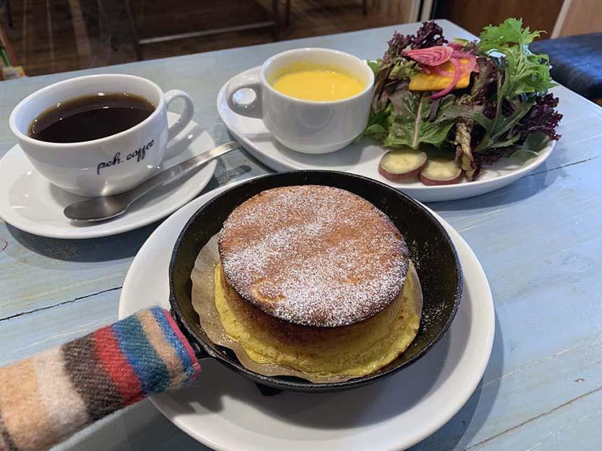 鵠沼海岸のパンケーキカフェ『PCH Coffee』のベイクドフレンチパンケーキ