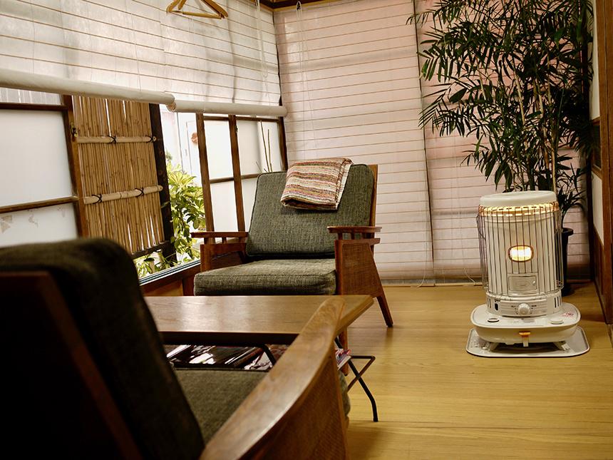 江ノ島のカフェ『腰越珈琲』の店内