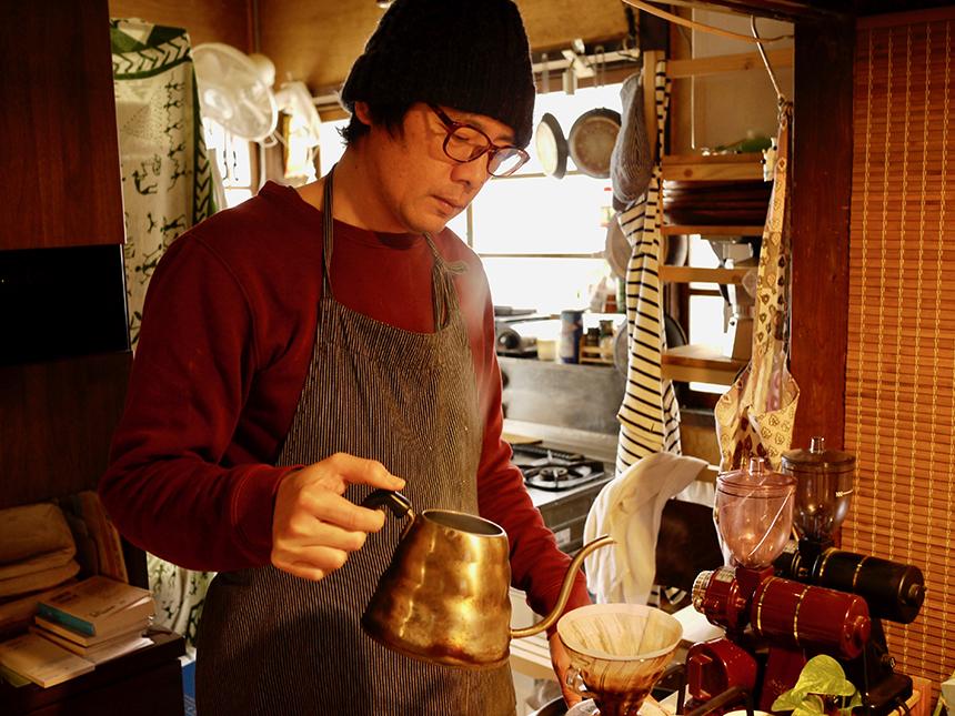 ノ島のカフェ『腰越珈琲』の米田さん