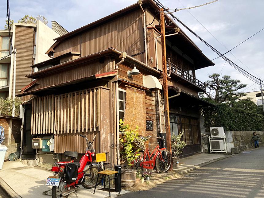 江ノ島・片瀬の『ミンナミ食堂』の外観
