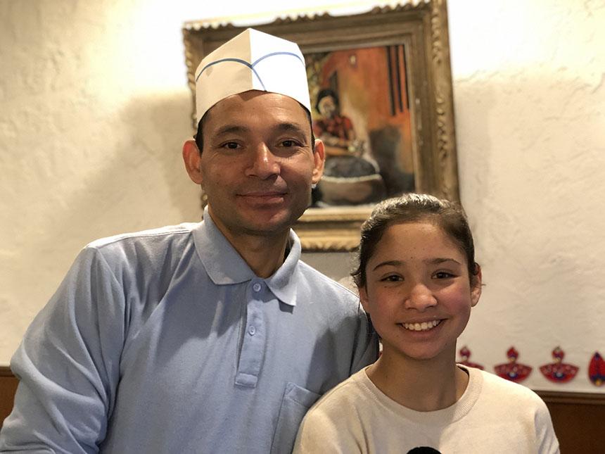 鎌倉・湘南深沢のインド・ネパール料理『スンガバ』のカダカさんとプラシカちゃん