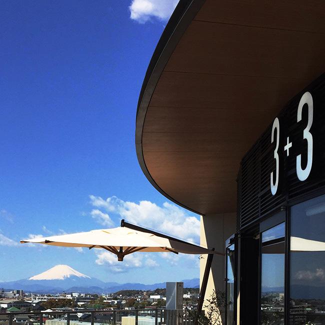 富士山も眺めるテラス席