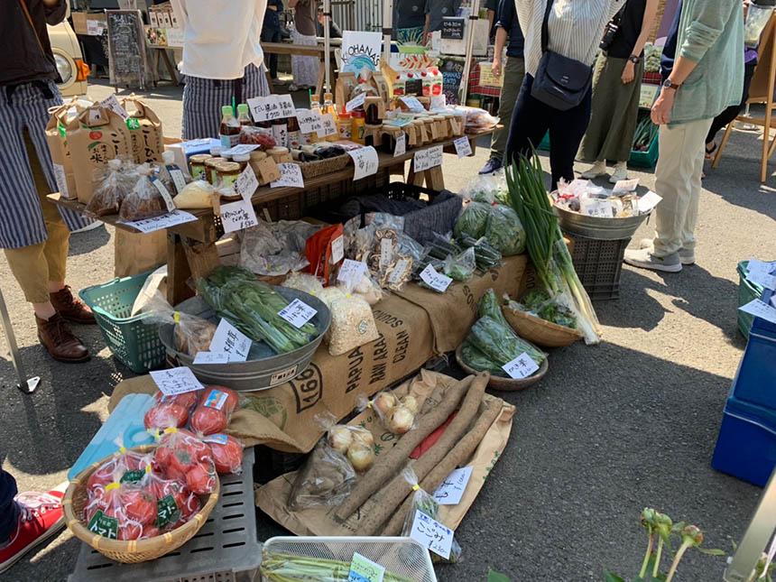 新鮮な野菜が並ぶ茅ヶ崎ストーリーマルシェ