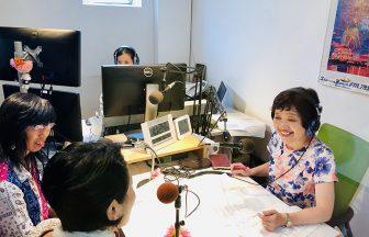 湘南ビーチFMのラジオ収録の様子