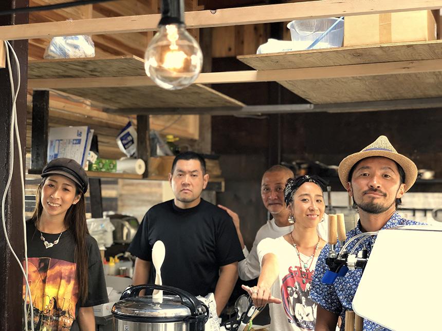 江ノ島のオーカフェのスタッフの皆さん