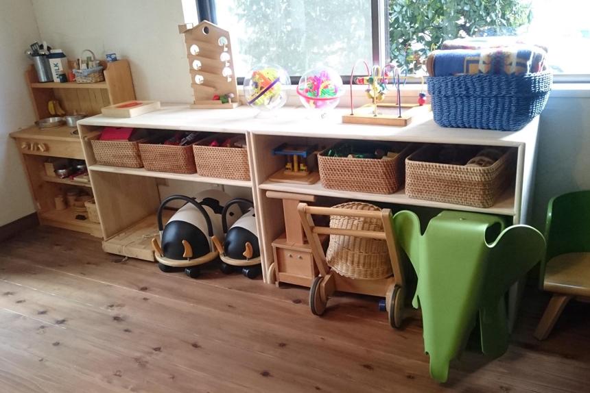 本鵠沼・鵠沼海岸の子育てカフェにあるおもちゃ