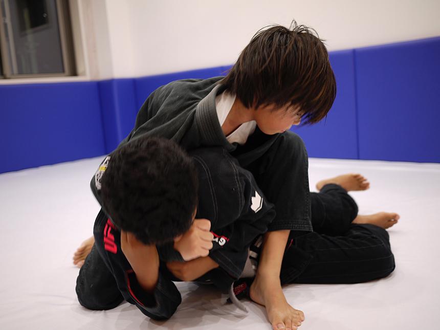 小学生の柔術レッスン