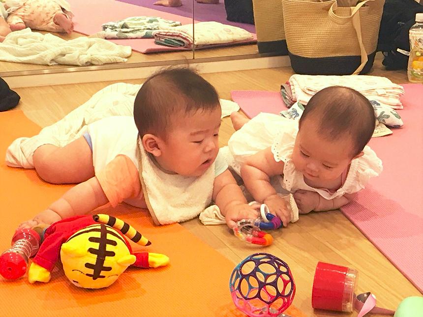 ママヨガ with ベビー&キッズクラス