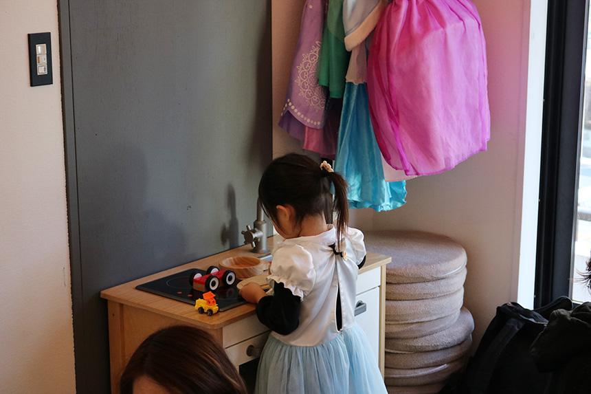 女の子が夢中になるおもちゃでも遊べる親子カフェ