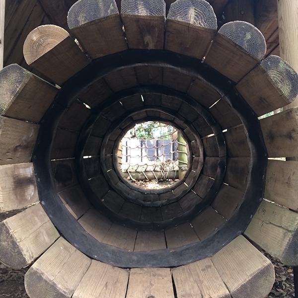 木製トンネル