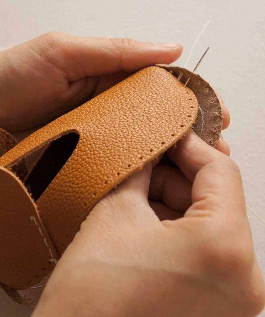 ファーストシューズキットでベビー靴作り