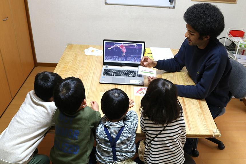 鵠沼海岸の英会話教室『Dream Tree English』のレッスン風景