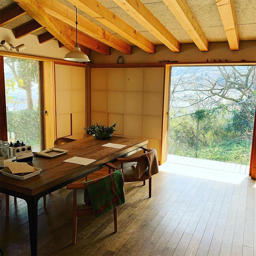 ローフードお料理教室を主宰する中西彩子さんの自宅