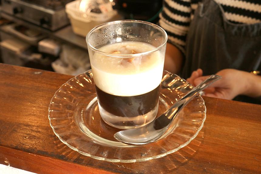 コンジーテーブルの自家製有機米麹甘酒とコーヒーゼリー