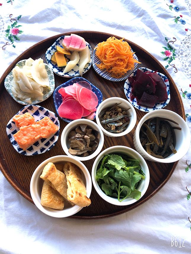 コンジーテーブルの常備菜や香の物