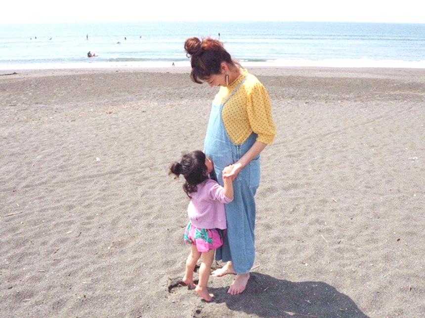 うみこころの子育て、海で過ごす子どもとママ