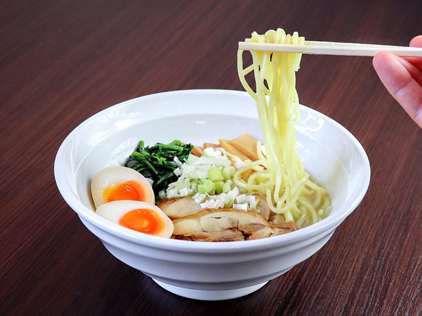 藤沢・辻堂のラーメン屋『はとり亭』の鶏塩ラーメン