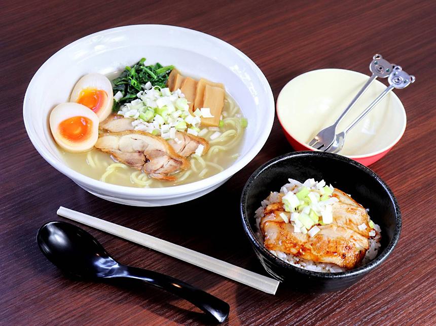 藤沢・辻堂のラーメン屋『はとり亭』のラーメンとチャーシュー丼