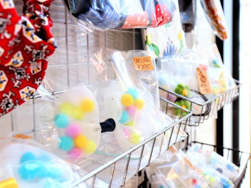 藤沢・辻堂のラーメン屋『はとり亭』で販売するハンドメイドのヘアアクセサリー