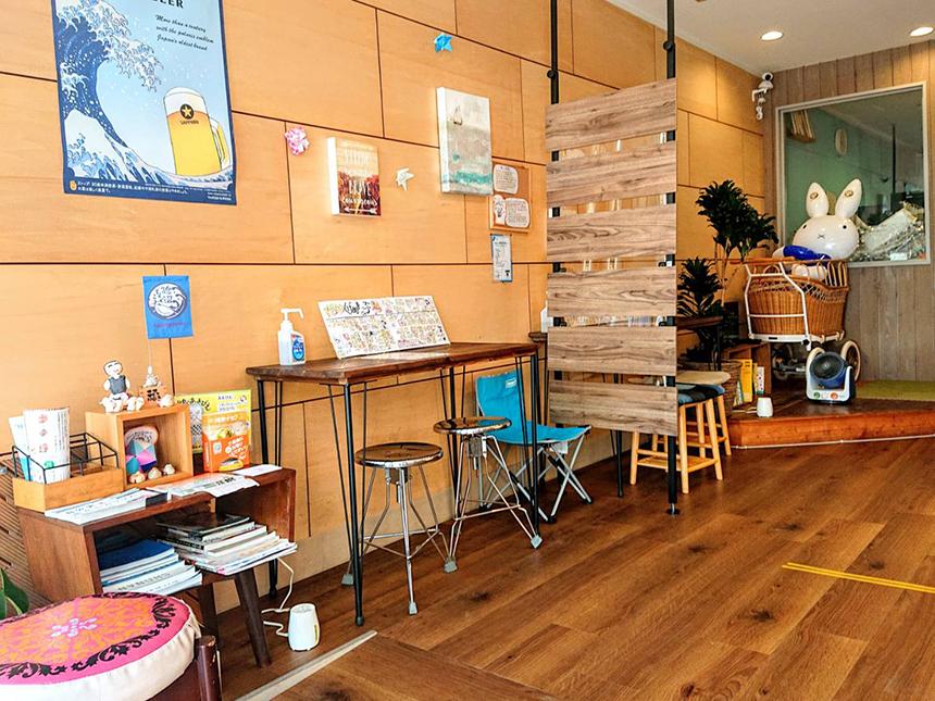 鵠沼海岸の餃子専門店「鵠沼ぎょうざ」の飲食スペース
