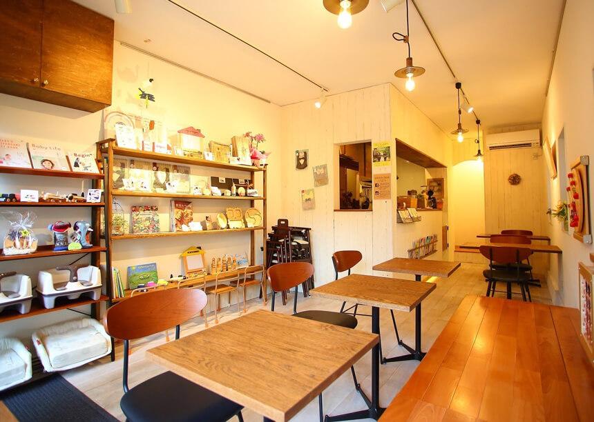 鎌倉親子カフェ『MISORA CAFE(ミソラカフェ)』の店内
