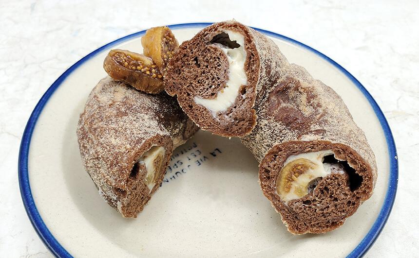 『ミサキドーナツ』のいちじくハニークリームチーズ
