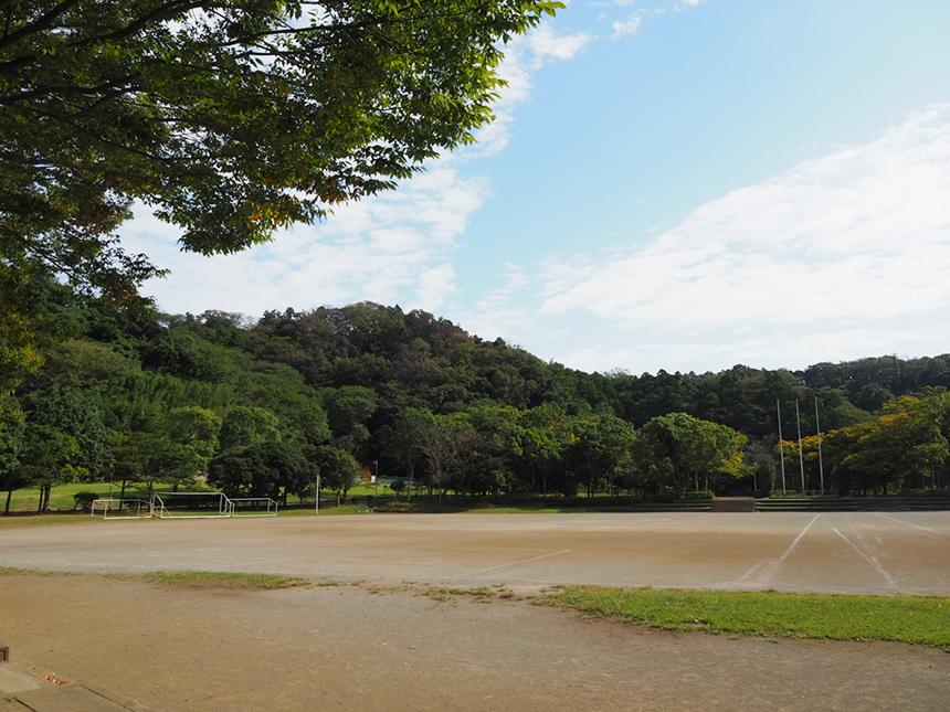 葉山『南郷上ノ山公園』の多目的グラウンド