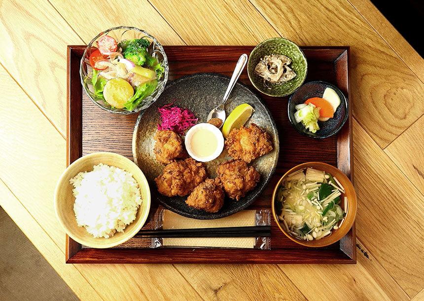 茅ヶ崎『いろどり食堂』の「鶏のから揚げ定食」