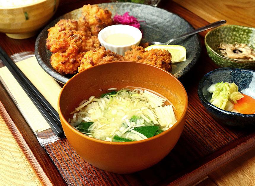 茅ヶ崎『いろどり食堂』のお味噌汁
