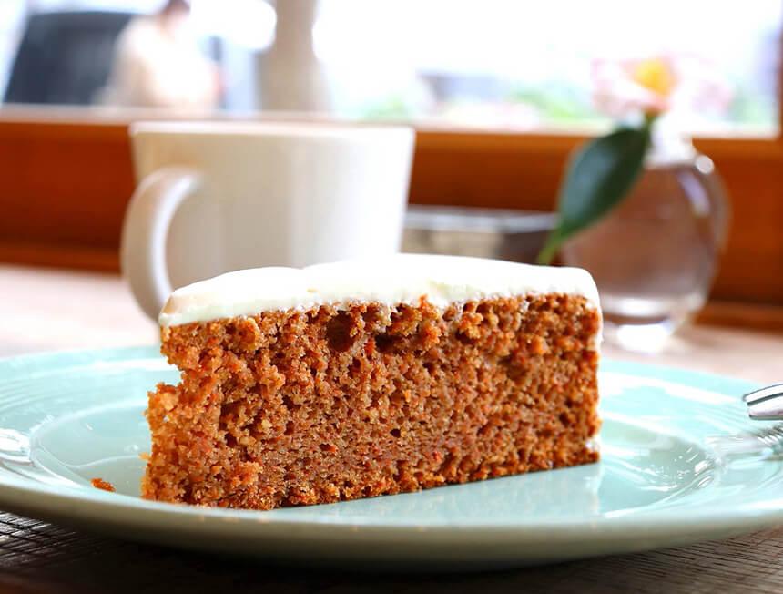 鎌倉のカフェ・ケーキ『POMPON CAKES(ポンポンケークス)』のキャロットケーキ
