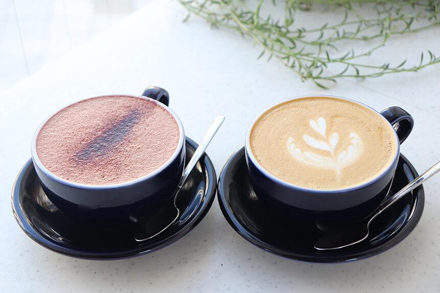 湘南のテイクアウトドリンク:逗子『BREATHER-COFFEE(ブリーザーコーヒー)』のラテ