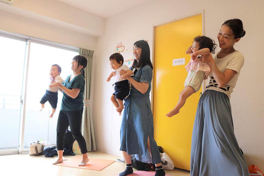 子育てオンライン教室『ベビーサイン』のレッスン風景