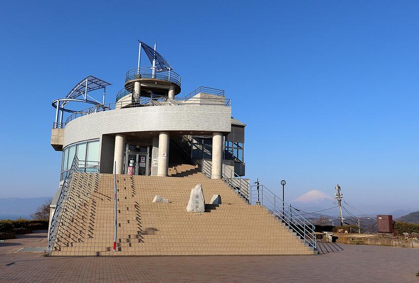 平塚の公園『湘南平』の高麗山公園レストハウス