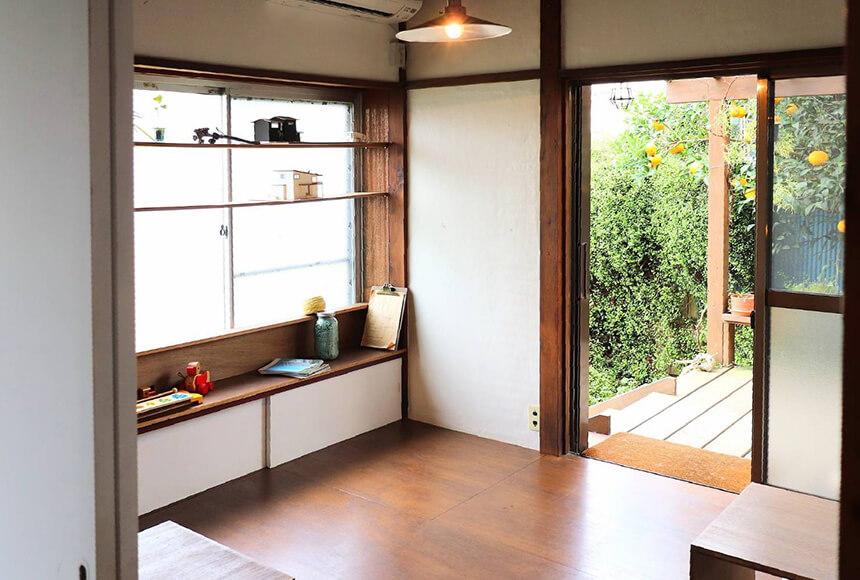 藤沢・本鵠沼のオーガニックカフェ『KAMOSU(カモス)』のカフェスペース