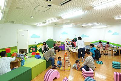 湘南・辻堂海浜公園の交通展示館の子どもの遊び場