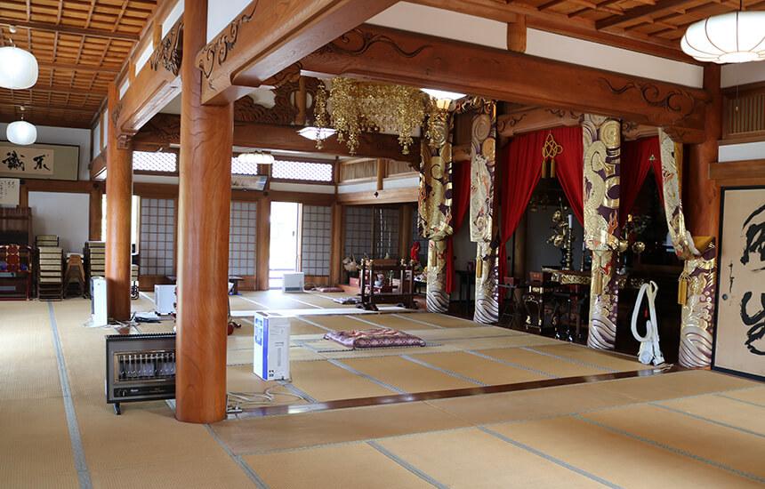お寺ストレッチを開催する興全寺の本堂