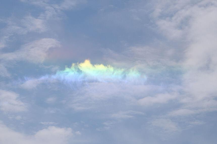 湘南・江ノ島の美しい彩雲