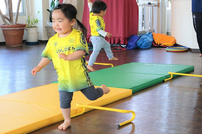 湘南の体操教室・運動教室『湘南ゴールデンエイジアカデミー』に通う女の子