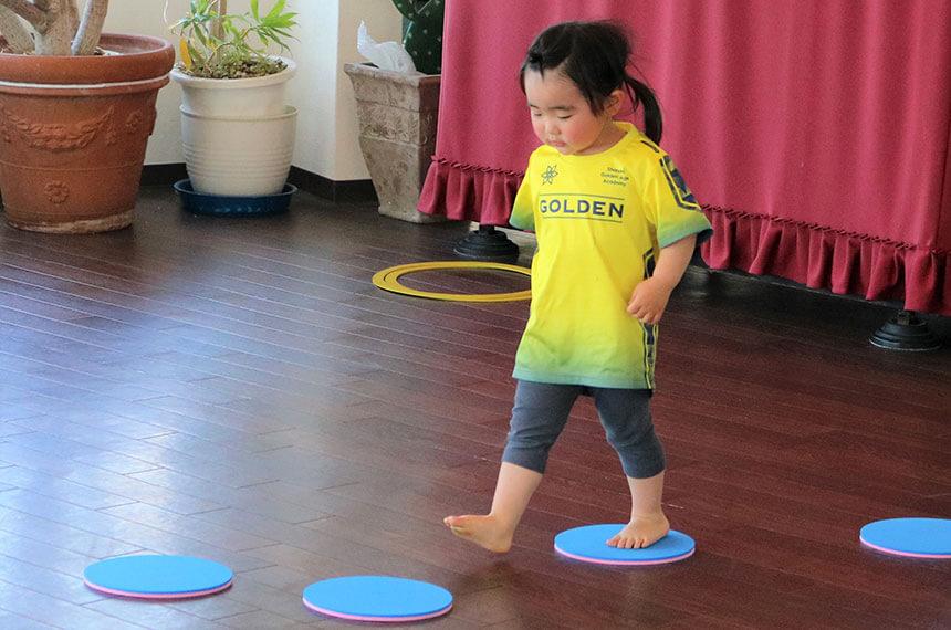 湘南の体操教室・運動教室『湘南ゴールデンエイジアカデミー』で認知能力を高める練習
