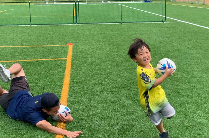 湘南の体操教室・運動教室『湘南ゴールデンエイジアカデミー』でサッカー