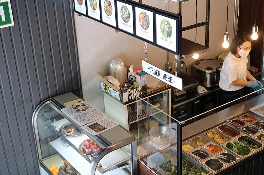 辻堂のサラダ専門店「ベリーベジー」の店内