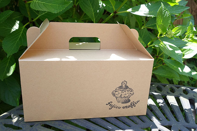 逗子「フジコマフィン」のおからマフィンの箱