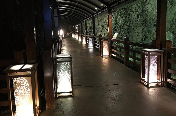 御岩屋道通り・江の島岩屋・亀ヶ岡広場